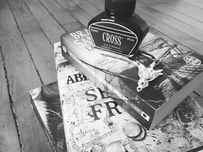 Livres noir et blanc - mes bizarreries de lectrice