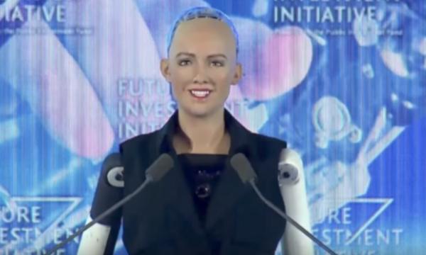 مدهش..السعودية أول دولة تمنح المواطنة لروبوت!
