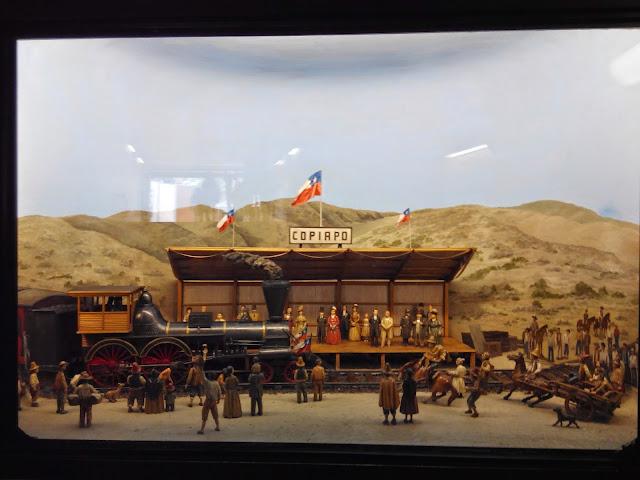 Diorama de la llegada del ferrocarril a Copiapó, estación de metro Baquedano en Santiago de Chile
