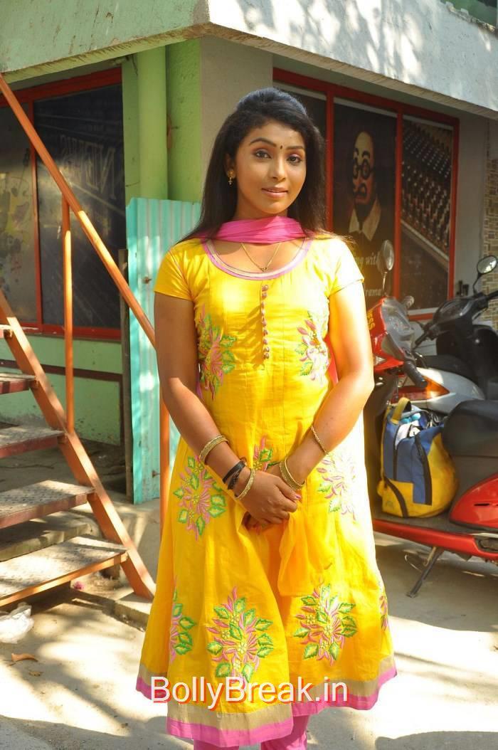 Sindhu Stills in Yellow Dress, Sindhu Hot Pics from Patra Movie Press Meet