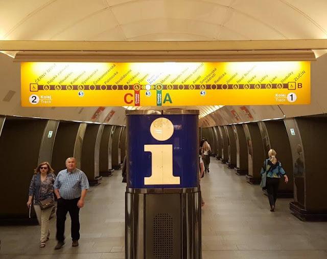 Línea B amarilla metro praga