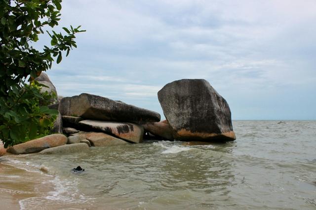 Pantai Batu Kodok Toboali Bangka Selatan