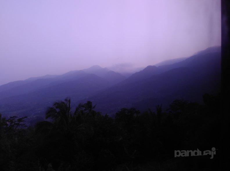 Pemandangan Pegunungan di Tanah Sunda