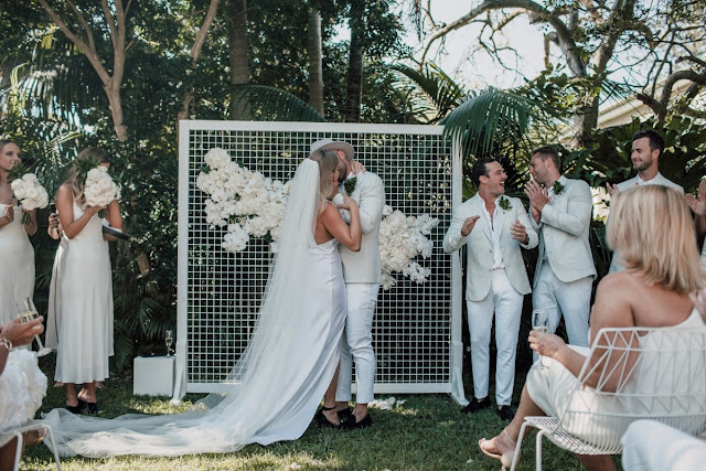 HUNTER MANUEL PHOTOGRAPHY SYDNEY REAL WEDDING FEATURE POCO UNO CREATIVE WHITE WEDDINGS