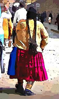 Peruana Típica: Roupas Coloridas e Longos Cabelos
