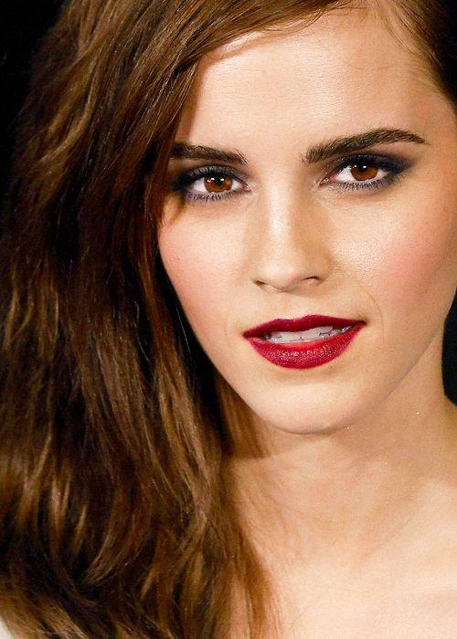 Emma Watson 2017 HD Mobile Wallpaper