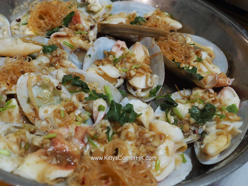 Steamed Baby Geoduck Clams with Garlic recipe 生熟蒜蒸象拔蚌自家食譜