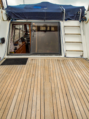 Photo of Ravensdale's aft deck looking spotless after cleaning and brightening