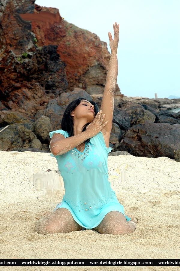 Hot Actress Divya Spandana Quot Ramya Quot Exposing Her Sexy Body
