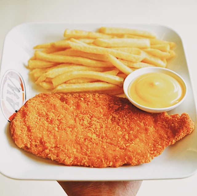 American Chicken Tenders with Fries