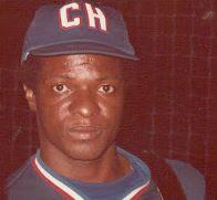 Una de las carreras más lindas de un pelotero cubano, Kindelán fue sometido a un trasplante de riñón en 1992. Otro en su lugar hubiera colgado el guante y los spikes, pero él no y regresó a la pelota hasta la temporada de 1995-1996.