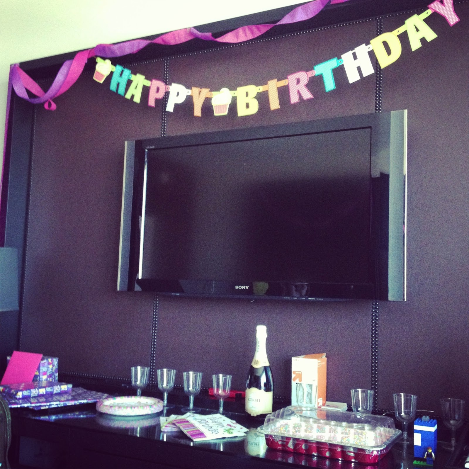 How To Decorate A Room: Megan Elvrum: What Happens In Vegas Goes On This Blog
