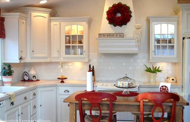 Decorating with wreaths in the kitchen