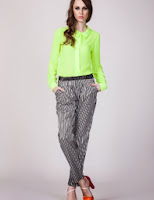 Pantaloni cu dungi verticale (Moja)