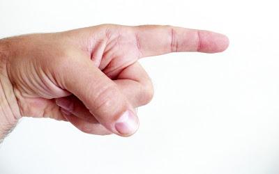 tangan menunjuk