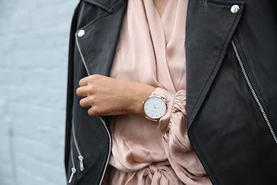 Reloj de pulsera de gran tamaño: no para una boda