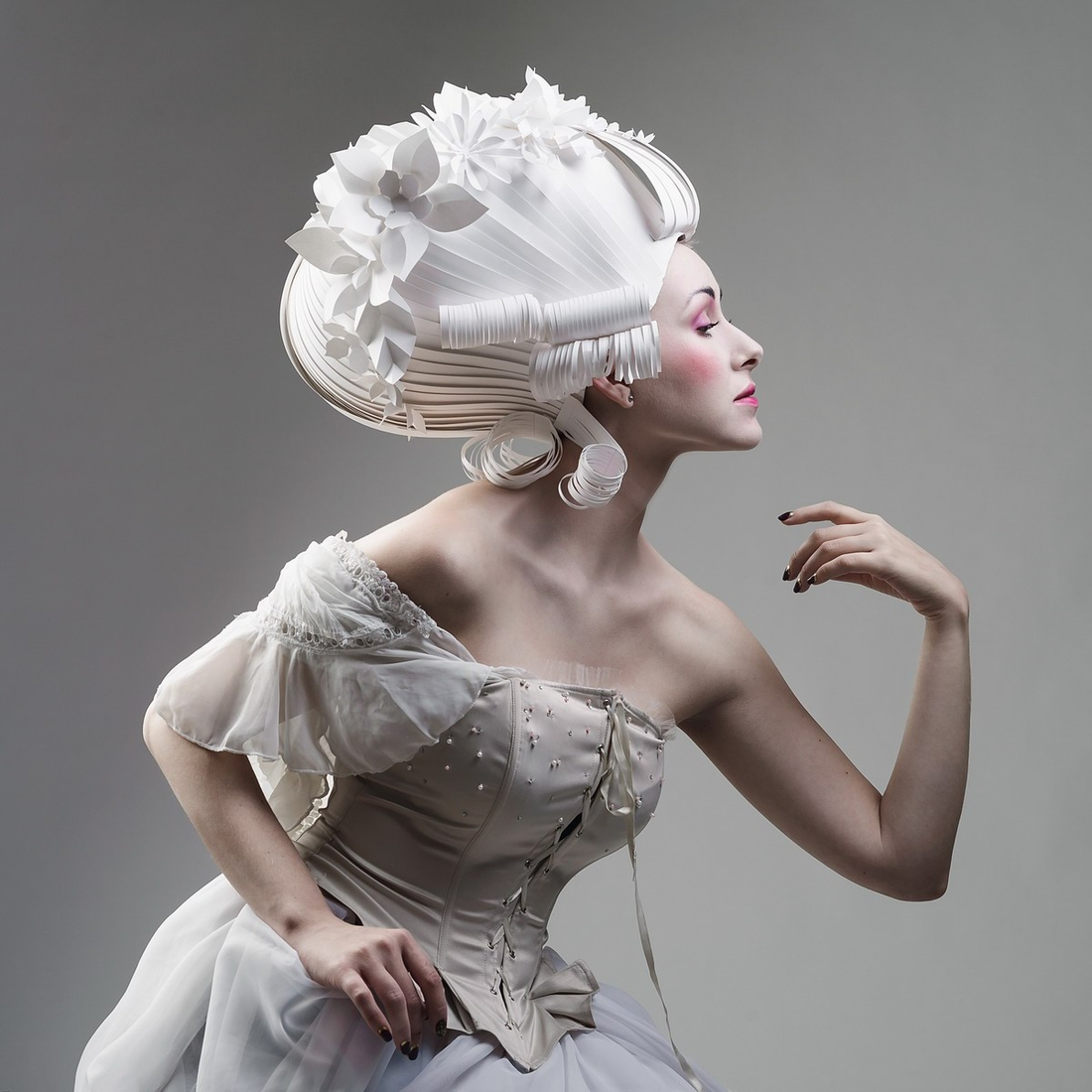 06-Asya-Kozina-Ася Козина-Baroque-Wigs-made-out-of-Hand-Cut-Paper-www-designstack-co