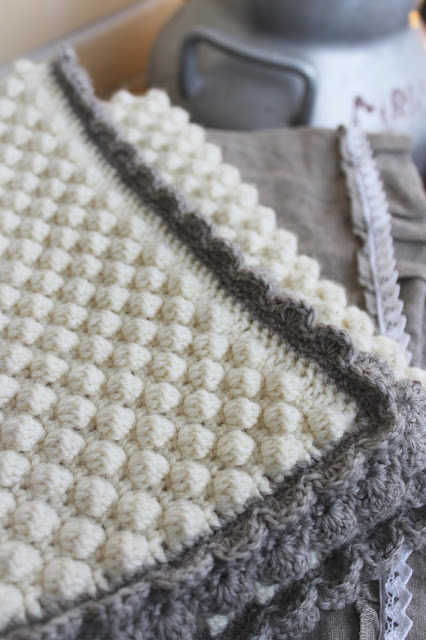 bobble stitch, vauvan peitto, baby blanket