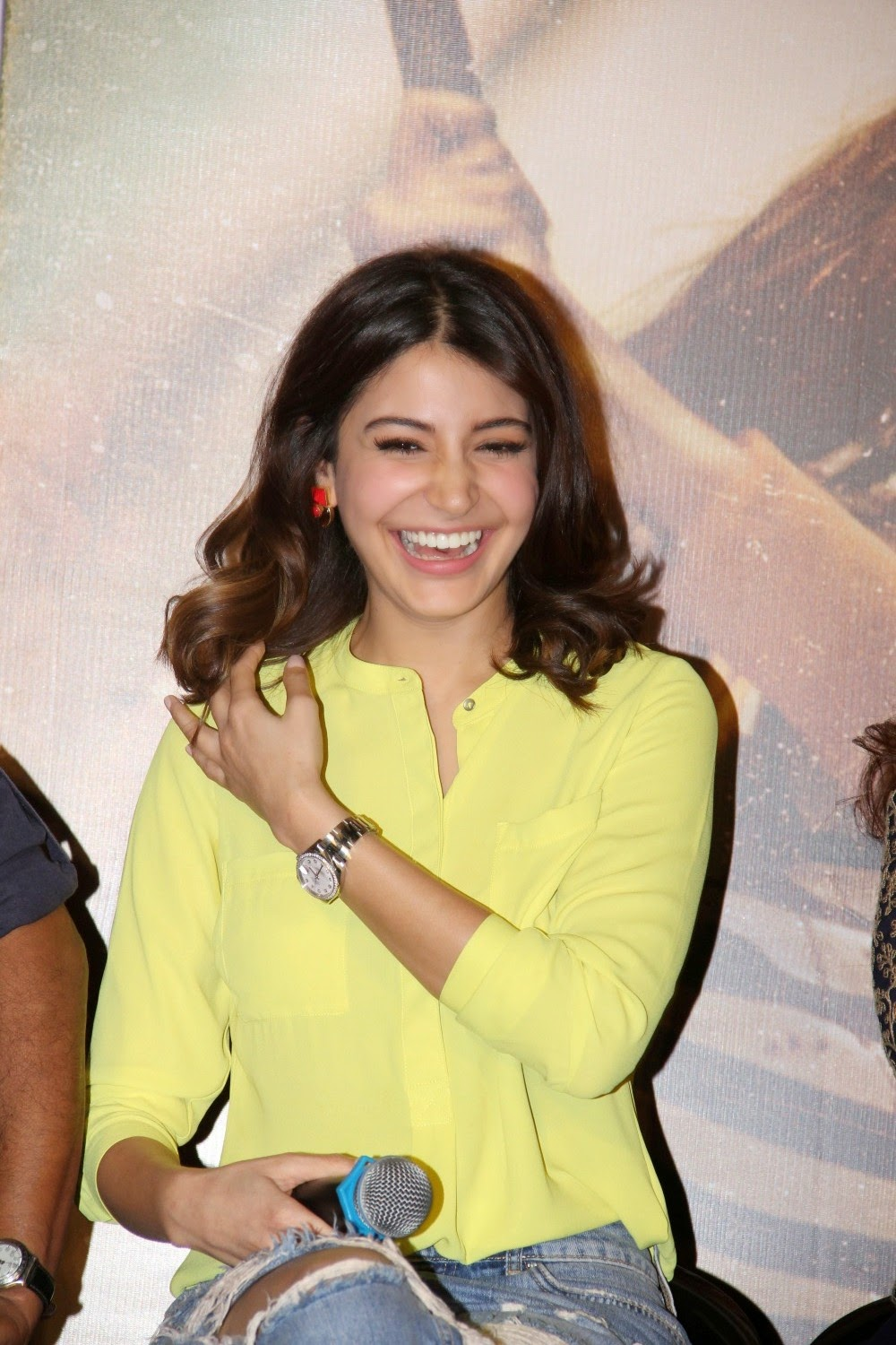 Hot Anushka Sharma Photos In Yellow Shirt