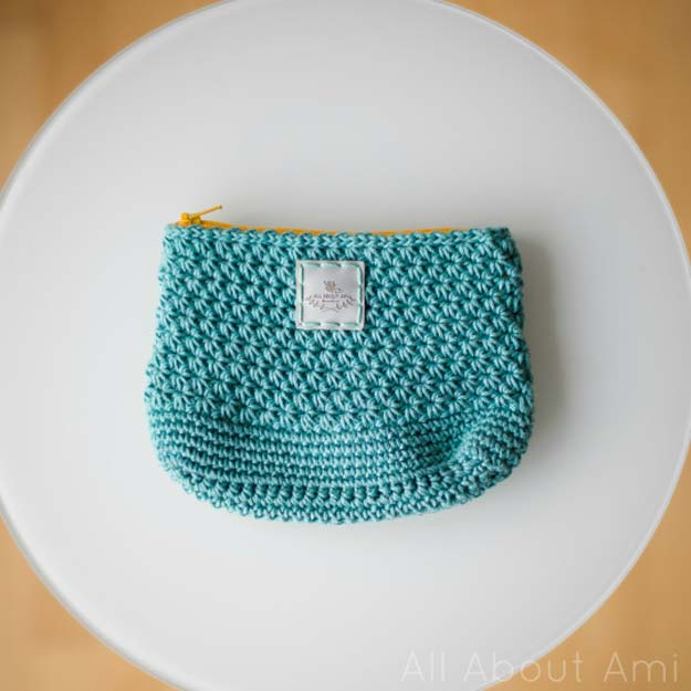 Easy Crochet Projects Pouch With Free Step By Step Tutorials - crochet, crochet tutorials, crochet projects, easy diy projects, crochet for beginners