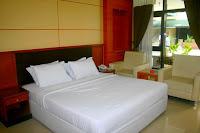 http://www.kawankurniatour.com/2016/04/hotel-dan-rumah-makan-kota-batang.html