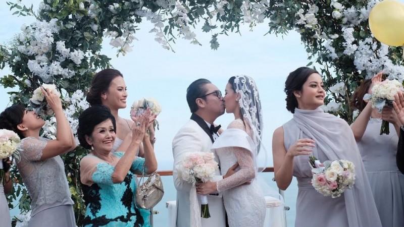 Foto Pernikahan Sammy Simorangkir dan Viviane 1