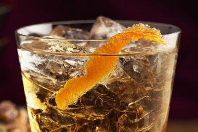 Black Russian quyến rũ với vodka và hương cà phê