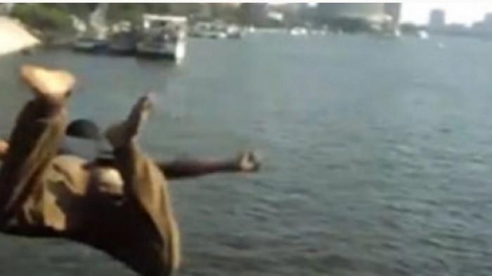 بالصور| حداد يلقي أبناءه الثلاثة في نهر النيل بإمبابة وينتحر