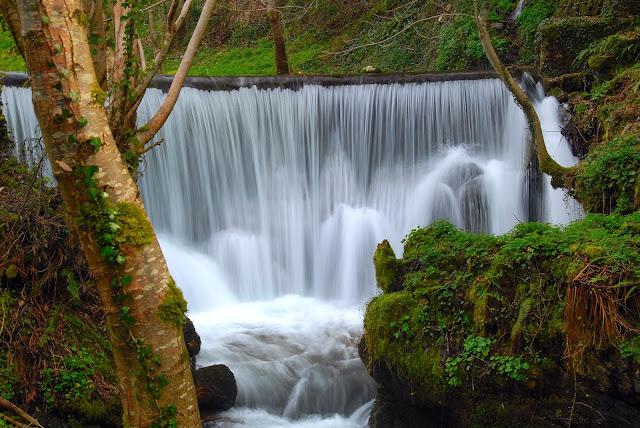 Cascada en el Alto Río Sil. Comarca de Babia León.