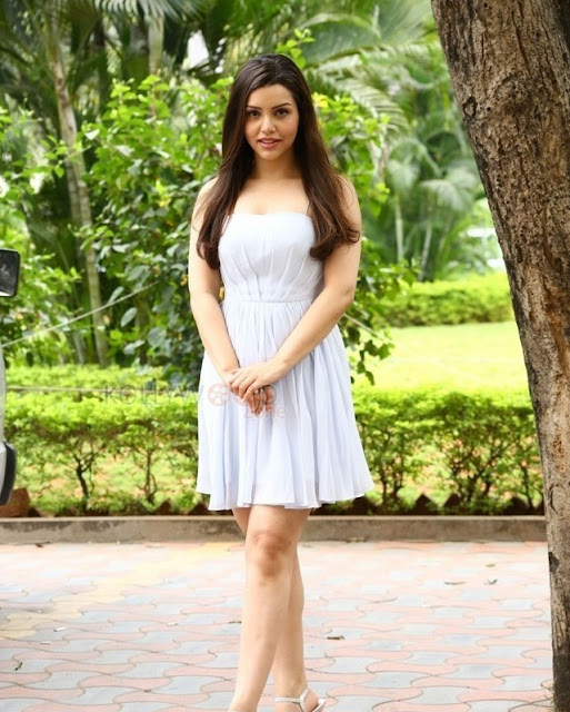 Kyra Dutt Physical Appearance