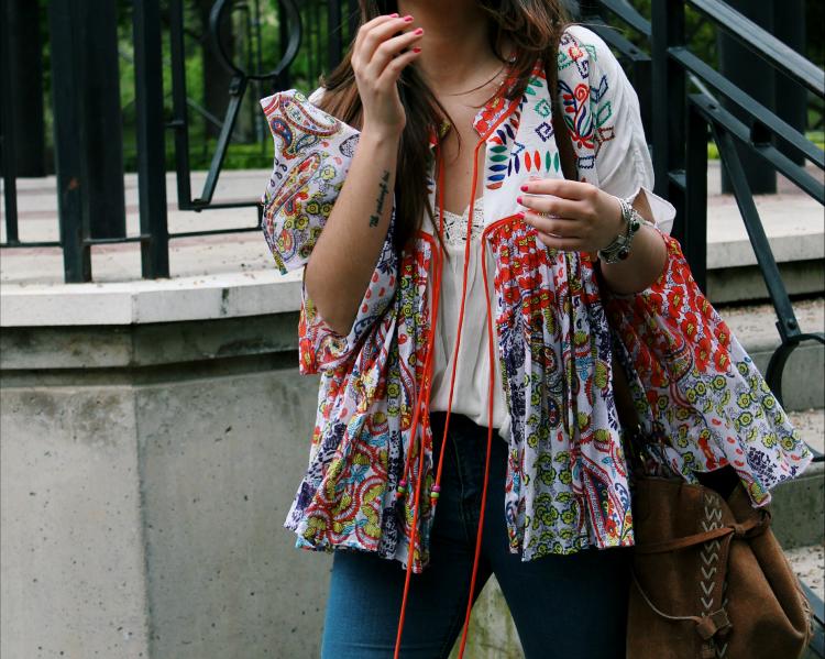 outfit con chaqueta estampada de por el cuello de mi camisa blogger moda leon