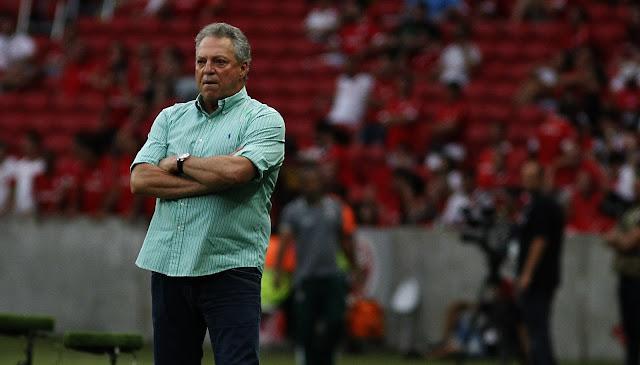Abel Braga não está contente com o calendário da Primeira Liga (Foto: Nelson Perez/Divulgação)