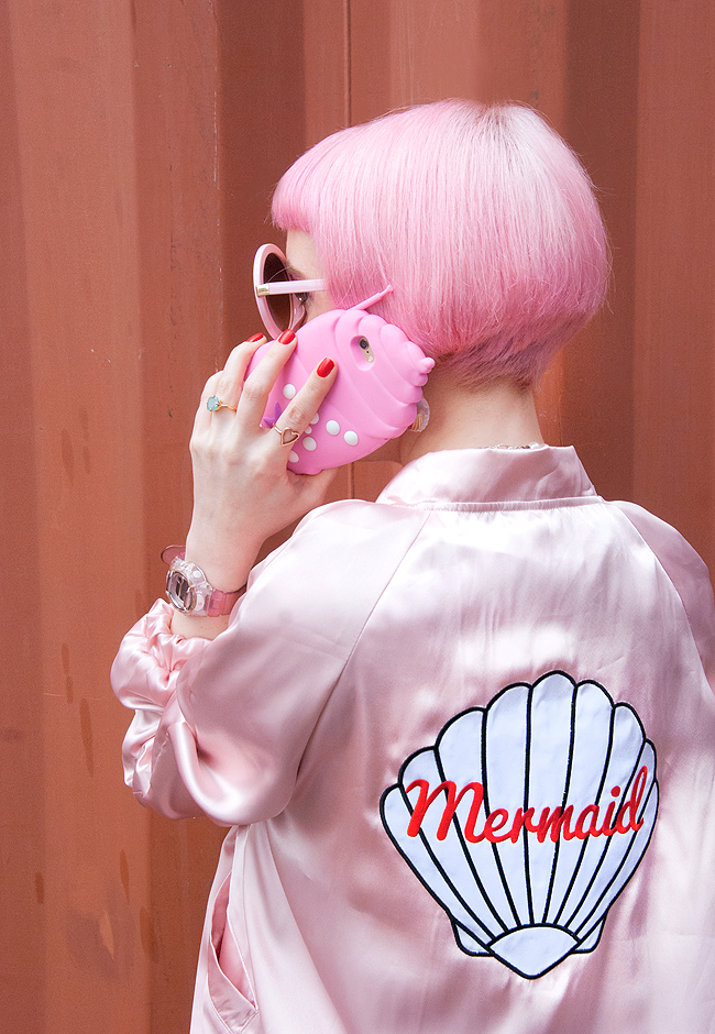 mermaid look, shell phone case, pink hair