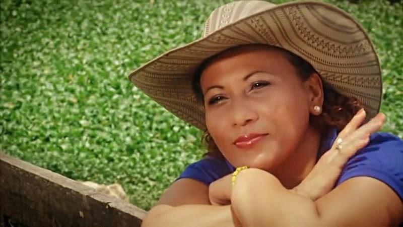 María Victoria Rodríguez Sosa y Pancho Amat - ¨Mis raíces¨ - Videoclip - Dirección: Julio César Leal. Portal Del Vídeo Clip Cubano - 02