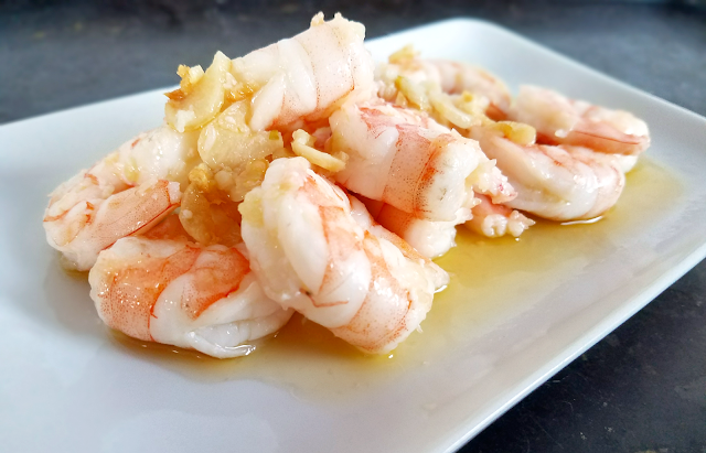 garlic shrimp in ghee / butter and olive oil. Gluten-free and grain-free.