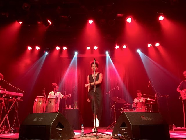 """Mahmundi faz show de lançamento de seu novo álbum """"Para Dias Ruins"""""""
