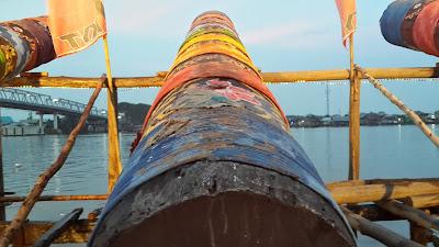 Meriam karbit tepian sungai Kapuas