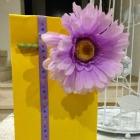 http://casaeglys.blogspot.mx/2015/05/diy-bolsa-de-regalo-con-flor.html