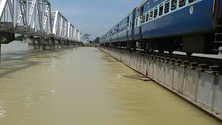 darbhanga-samastipur-train-stoped-by-flood