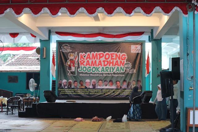 Nyore di Kampoeng Ramadhan Jogokariyan