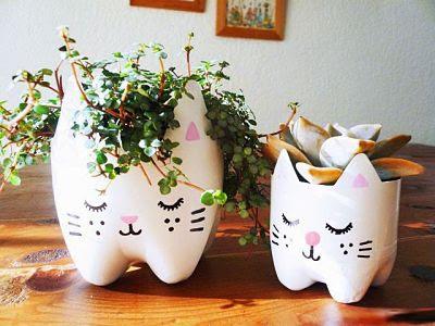 Kerajinan Tangan Pot Bunga dari Botol Bekas