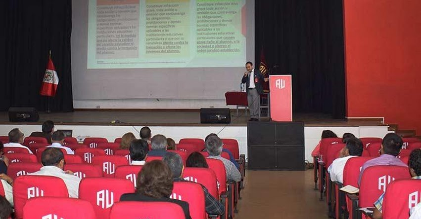 DRELM: Promotores de colegios privados se capacitan para brindar un servicio educativo de calidad - www.drelm.gob.pe