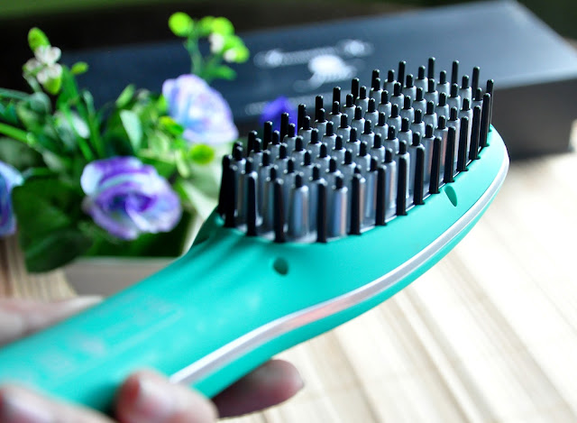 Jade Hair Straightening Ceramic Brush