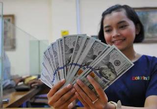 Usai Libur Natal, Rupiah Melemah Tipis ke 13.449 per Dolar AS