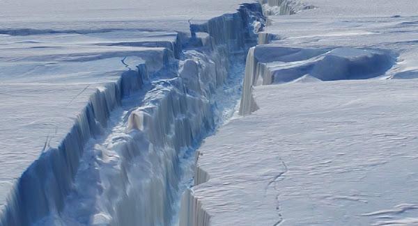Δορυφορικές εικόνες αποκαλύπτουν γιγαντιαίες ρωγμές σε παγετώνα της Ανταρκτικής - Βίντεο
