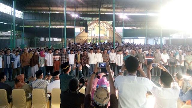 H-2 Lebaran, Wali Kota Palopo Serahkan Insentif RT/RW dan LPMK