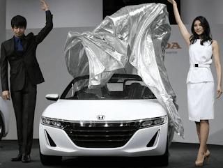 Performa menakjubkan mobil sport tidak harus bermesin, ukuran velg besar dan bodi, melalui mobil baru S660, Honda ingin membuktikannya. Type mobil ini sangat cocok untuk Anak muda yang mengiginkan gaya baru yang modern.