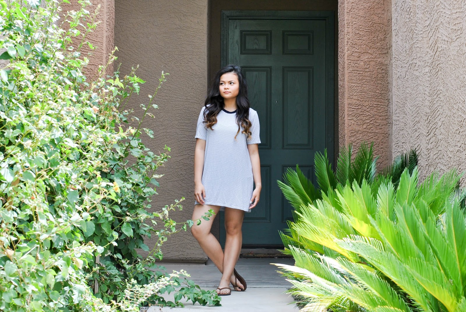 0064e9091a9e2a I recently bought a t-shirt dress from Tilly s for my fourth of july  outfit. Let me tell you one thing I instantly fell in love with t-shirt  dresses.