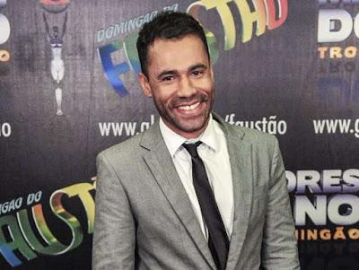 Humorista Rodrigo Sant'Anna e roteirista Jr Figueiredo se casam no Rio