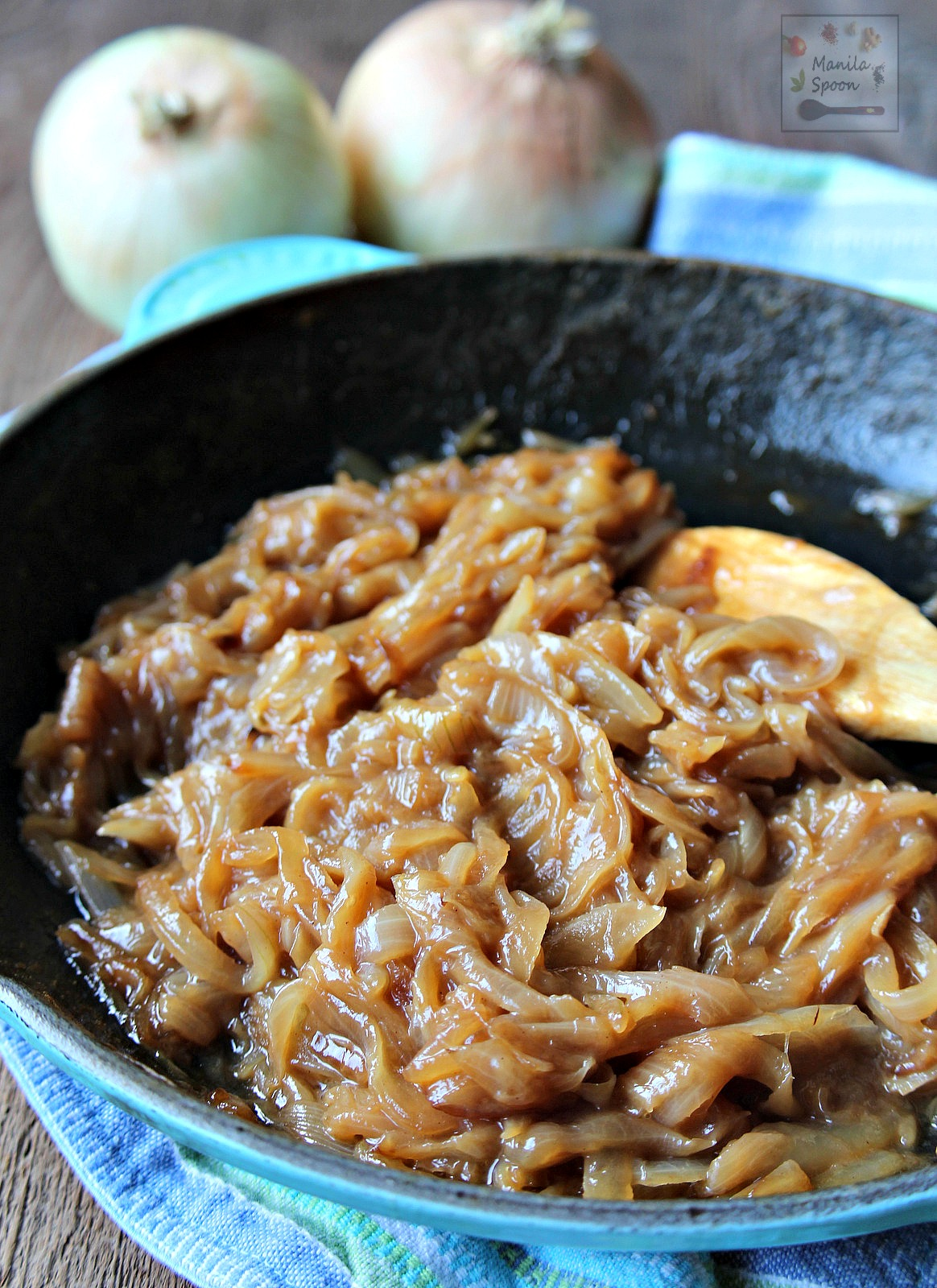 Just a few ingredients are needed to turn a batch of onions into something delightfully rich, sweet and savory. Use caramelized onions as pizza topping, for sandwiches, salad, to jazz up appetizers and so much more! | manilaspoon.com